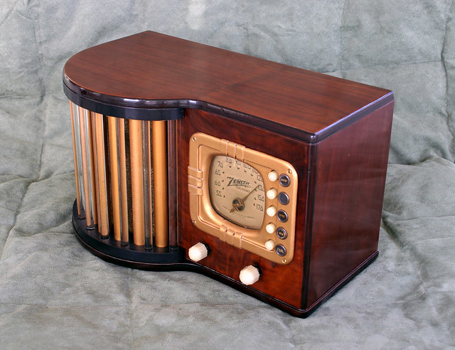 Zenith 5R317 1939 World's Fair Radio by ggroch @ Flickr