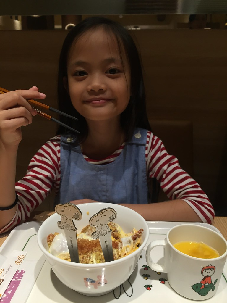 and they have kids menu, too, with Snoopy fork and spoon! :D