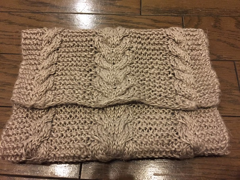 Cable clutch bag