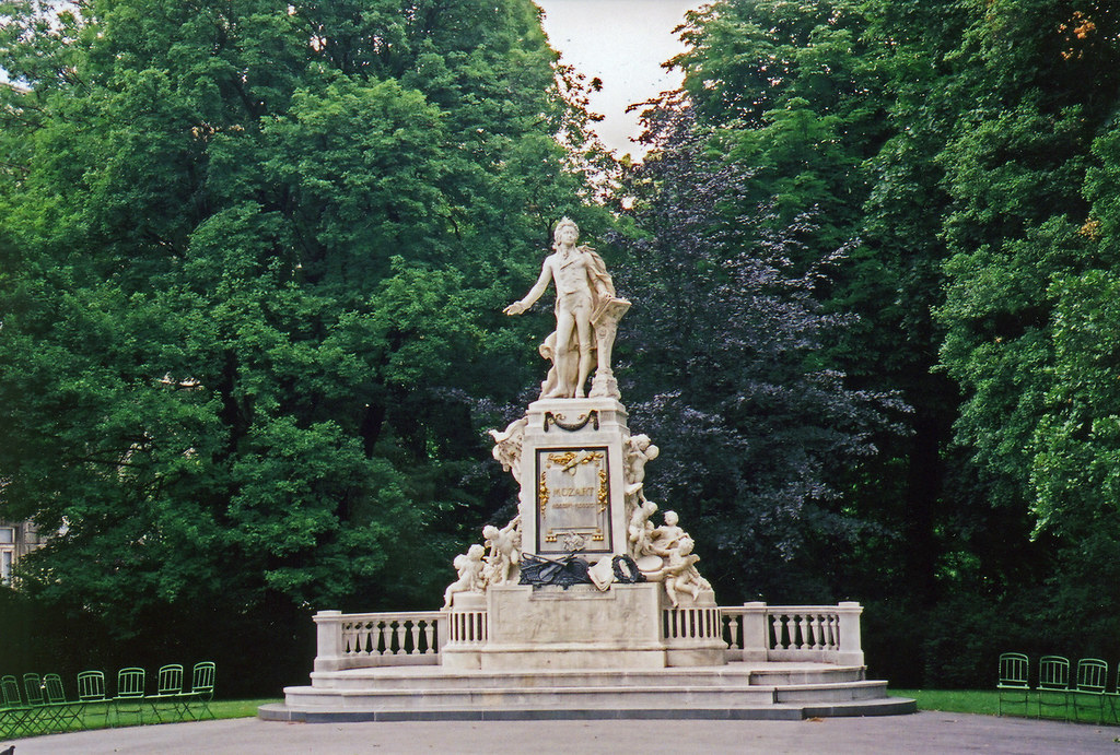 Statue Mozart Vienna
