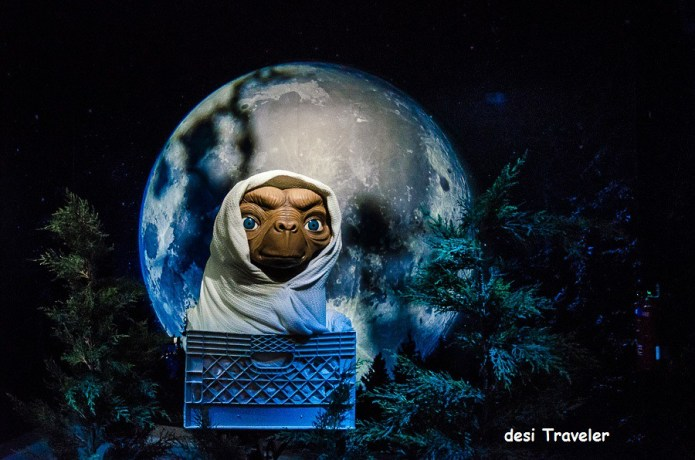 ET with Moon Singapore Madam Tussauds