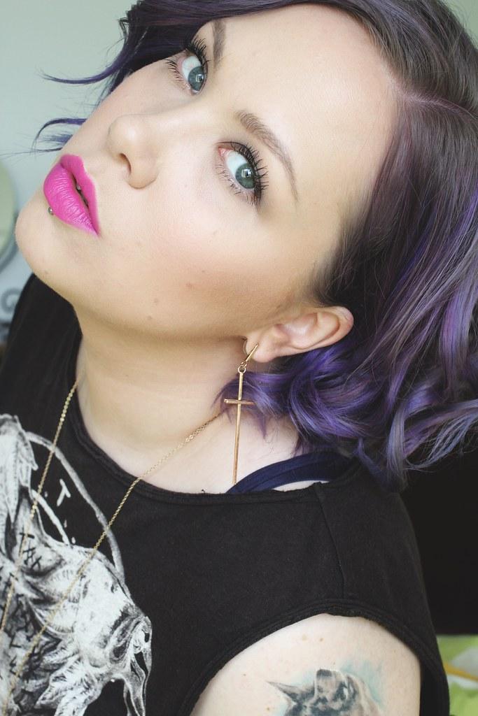 purple curl V