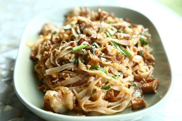 Phad Thai Goong - Rice Noodles, Shrimp with Eggs