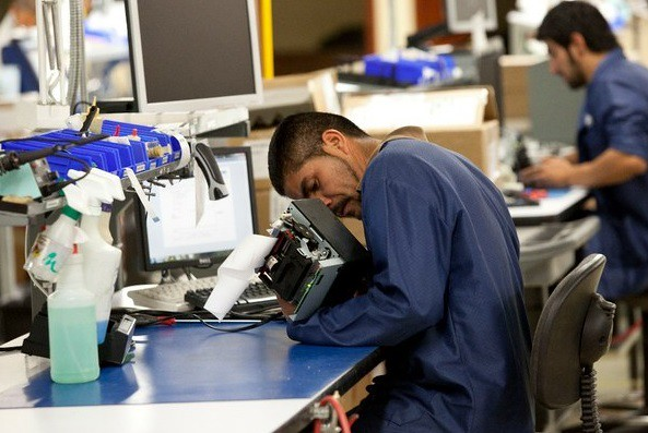 Actividad industrial sufre su peor caída mensual en casi dos años