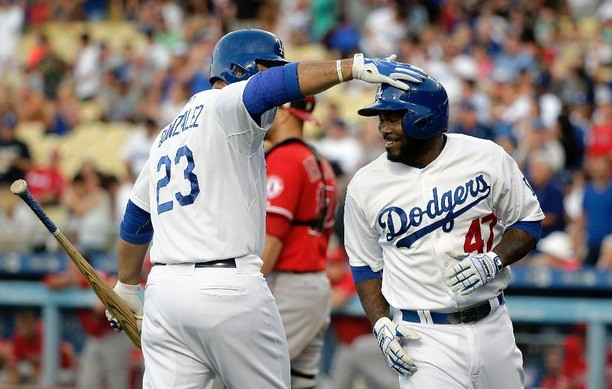 González pegó cuadrangular 22 en victoria de Dodgers