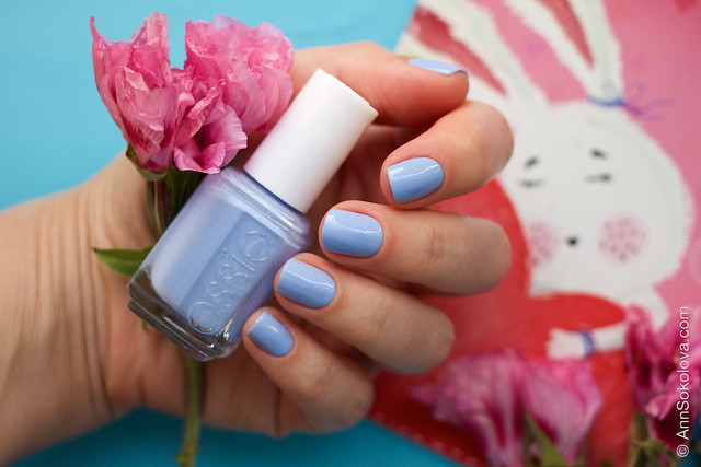 02 Essie Bikini So Teeny