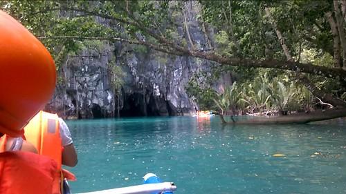 Yendo hacia la entrada del río subterráneo de Puerto Princesa
