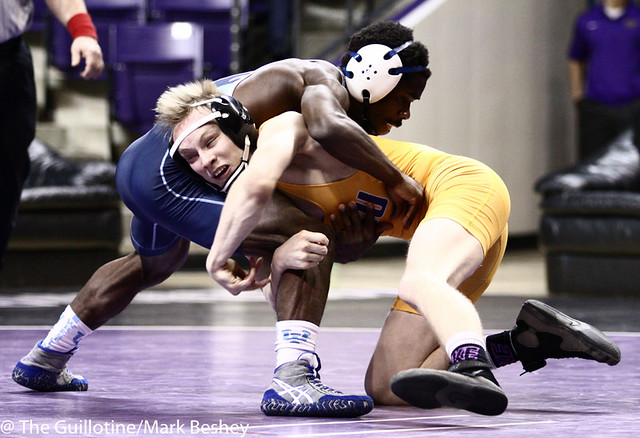 125 Andrew McFall (MSU) dec. Maleek Williams 11-5