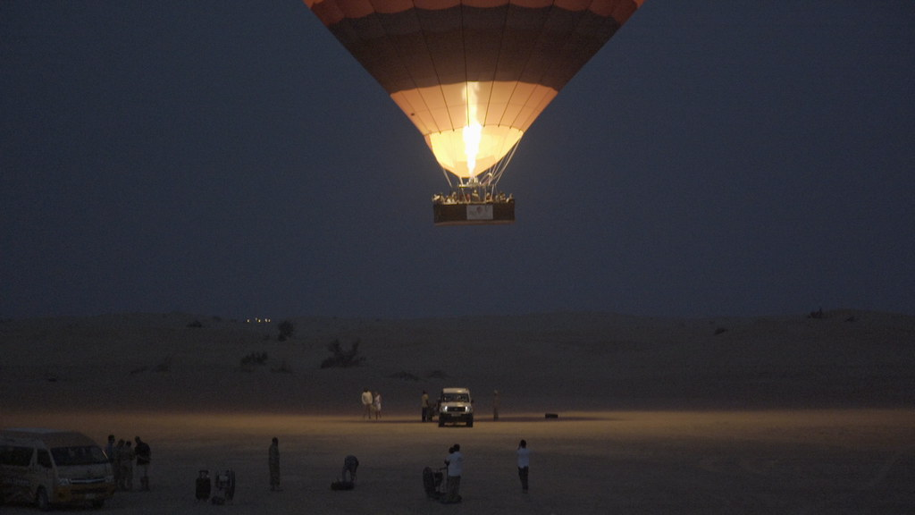 World-First Hot Air Balloon Falconry Adventure in Dubai