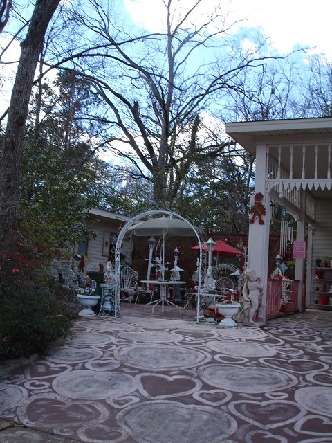 Bette Mott's House, Heart Driveway.  McComb, MS