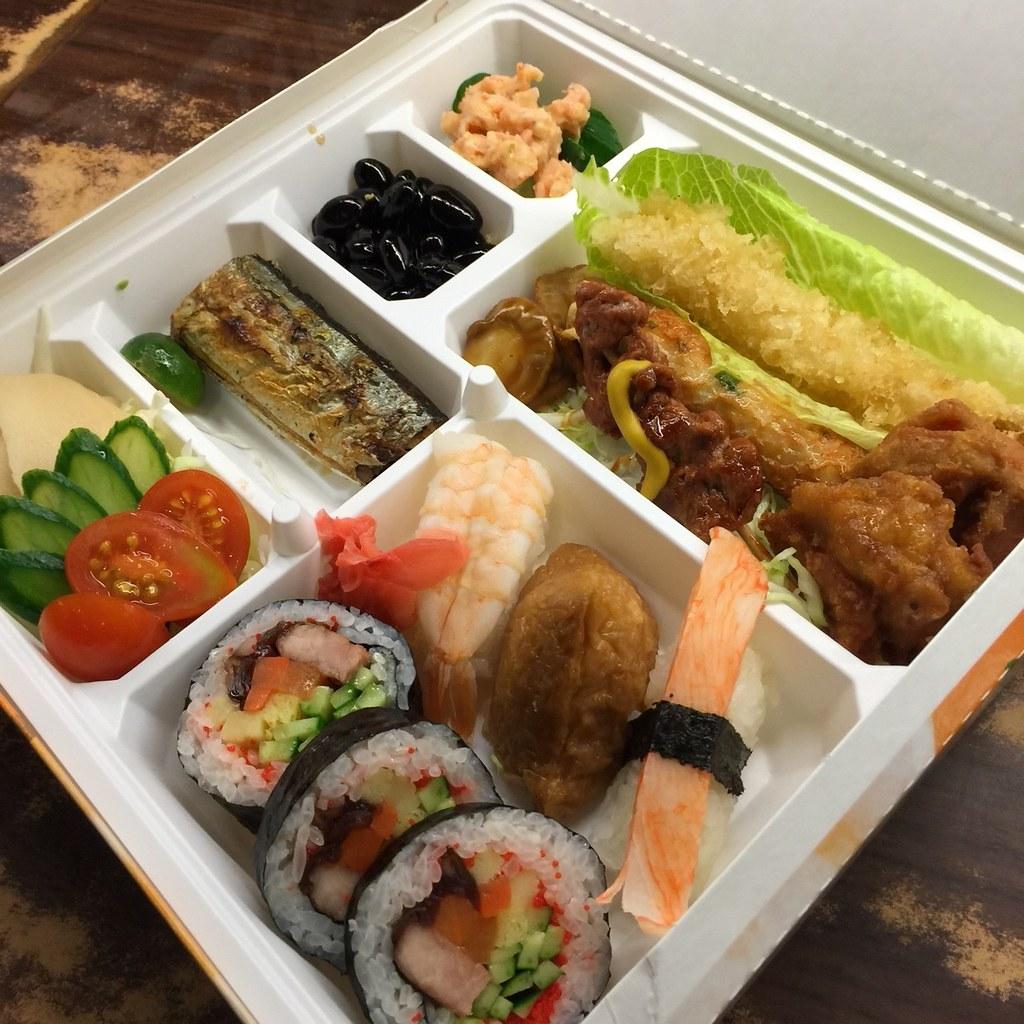 推薦高雄松江庭吃到飽日本料理餐廳平價的日式便當外送服務 (35) | 推拿五虎520 | Flickr