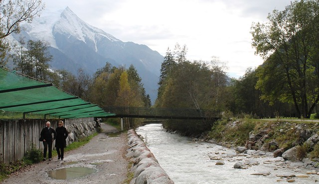 les praz to chamonix town path