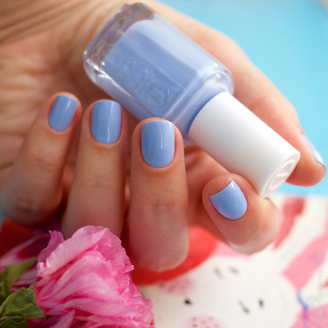 04 Essie Bikini So Teeny