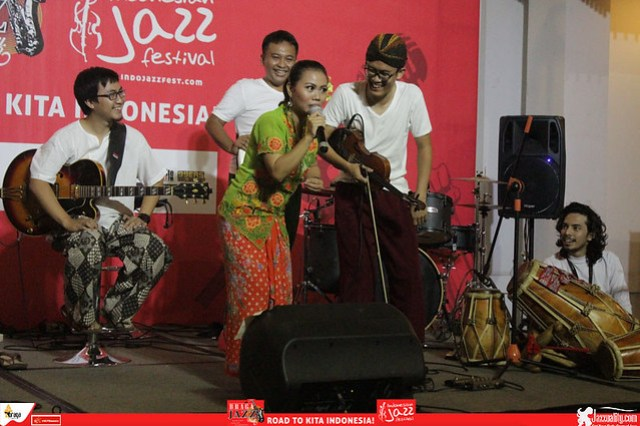 Road to IndonesianJazzFestival2015-BragaJazzWalk-LantunOrchestra (4)