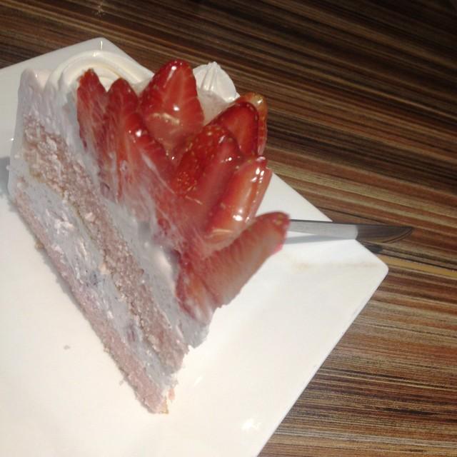Strawberry Shortcake (Food Crawl)