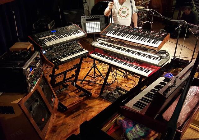 Mr Gone keyboard rig