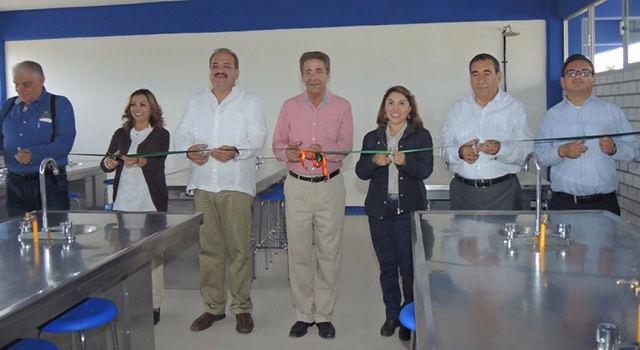 Inauguran FTF y MGV obras sociales en la capital del estado