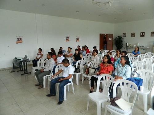 Capacitan a personal del Centro de Justicia para las mujeres del municipio de Matlapa
