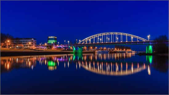 Does a Cool Blue Hour Arnhem shot cool you down?