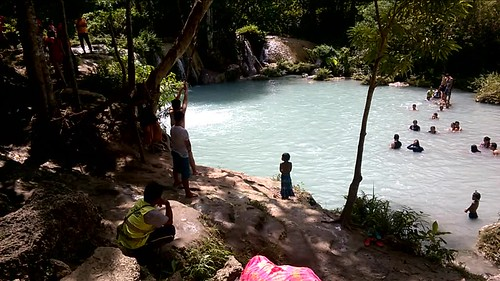 Saltando al agua en Cambugahay