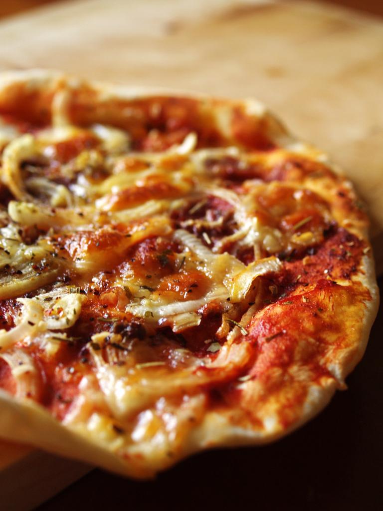 Imagen gratis de una pizza prosciuto