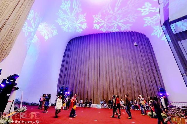 台中歌劇院聖誕燈光秀 (17)