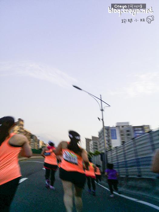 2015.6.22   跑腿小妞  那一年我昏倒的 2015 NIKE #WERUNTPE 女生半馬 女子 WE RUN TPE Taipei 賽事 15