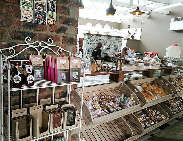 Bakery Thanda Tau
