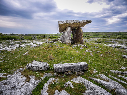 Poulnabrone Wedge Tomb-033