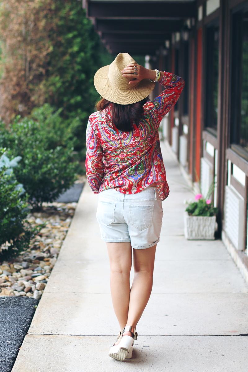 white-wash-denim-cutoffs-outfit-4