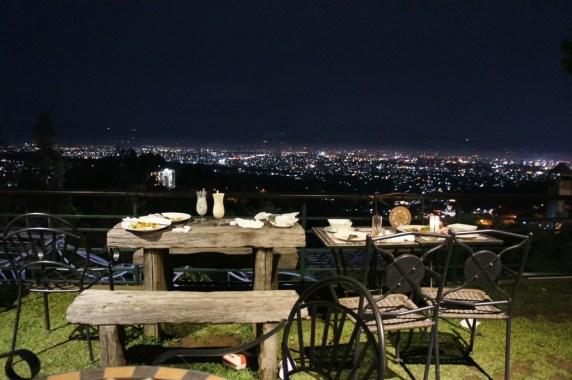 Tempat makan malam romantis murah bandung