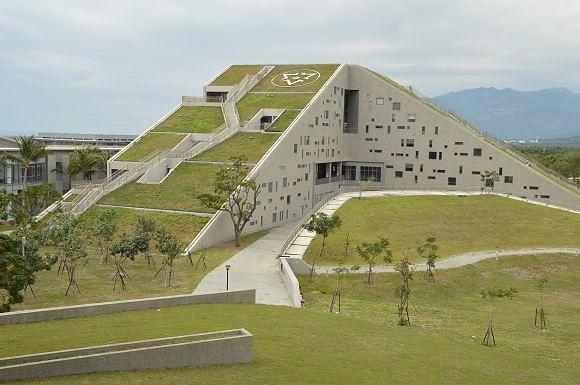 臺東大學圖書館~~臺東新亮點.彷彿像是山丘的綠建築 @ 寶小銘的天空 :: 痞客邦