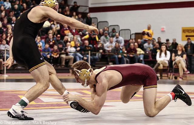 165: Joey Gunther (Iowa) dec No. 15 Nick Wanzek (Minn), 5-2   Minn 0 – Iowa 11