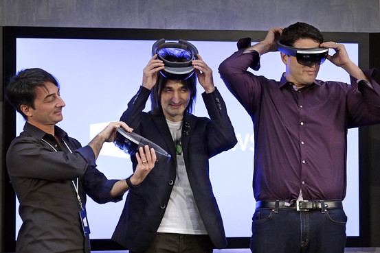 Windows 10 HoloLens