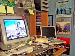 Messy desk by senrab