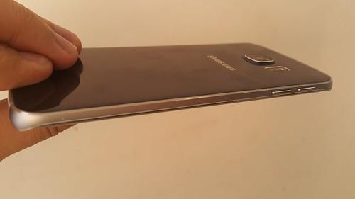 Samsung Galaxy S6 edge ด้านซ้าย