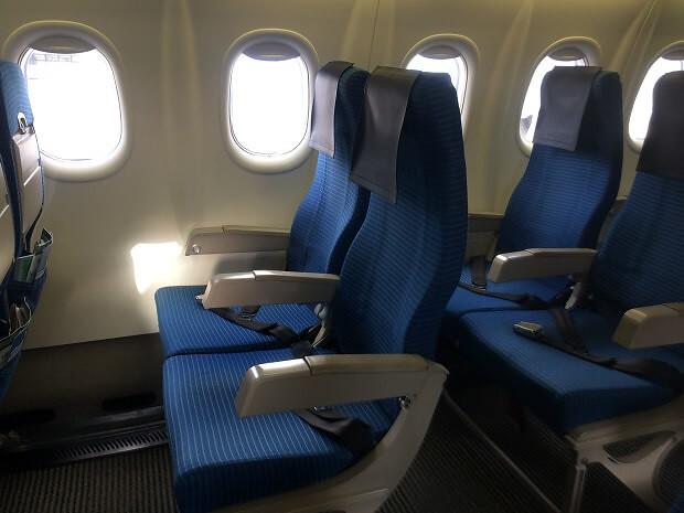161224 ボンバルディアDHC8-Q400座席