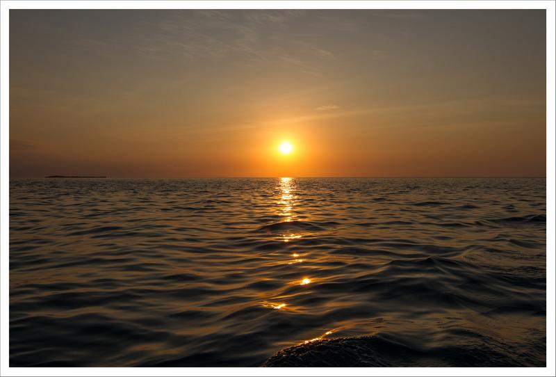 Atardecer en el mar (VI)