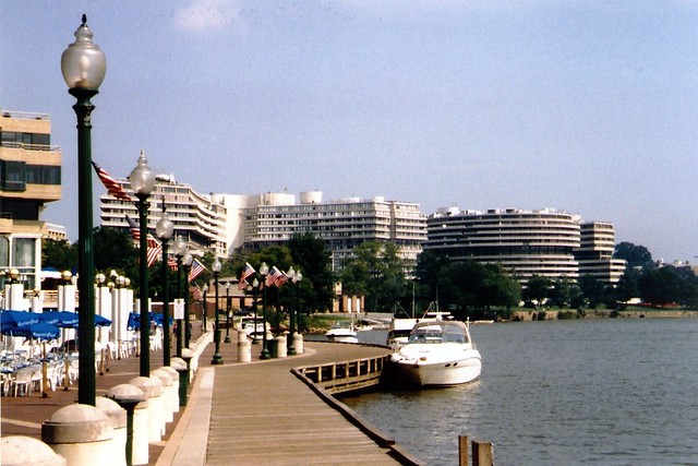 Dc Georgetown Washington Harbour And Watergate Complex