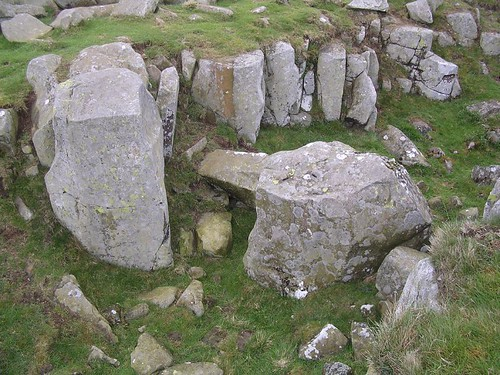 Rock-cut ditch with wedge marks at Limestone Corner