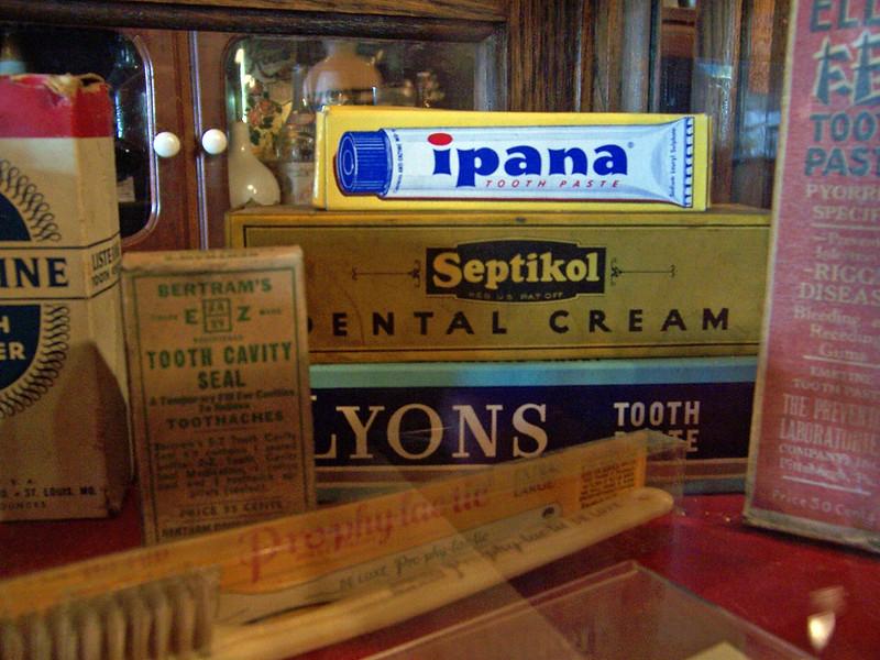 Dentifrices