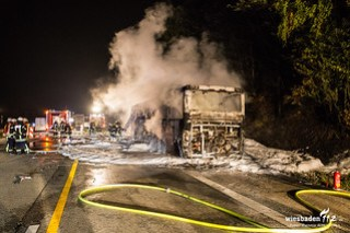 Busbrand auf der A3 bei Idstein 10.10.15