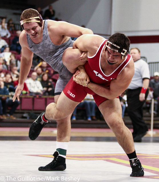 285: No. 2 Connor Medbery (Wisc) dec No. 8 Michael Kroells (Minn), 3-2 | Minn 3 - Wisc 6
