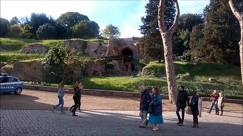 Junto al Arco di Costantino y el Colloseum
