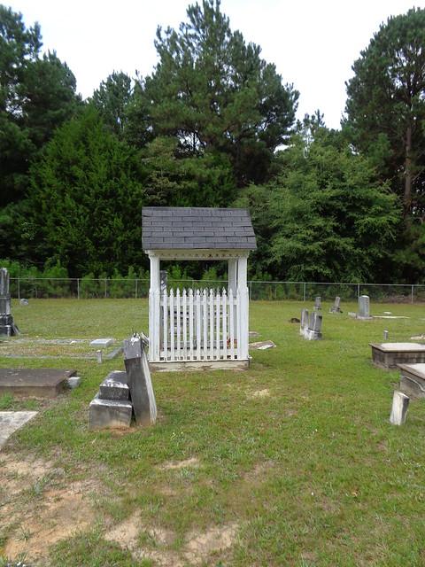 Graveshelter, Wing Missionary Baptist Church, Wing AL