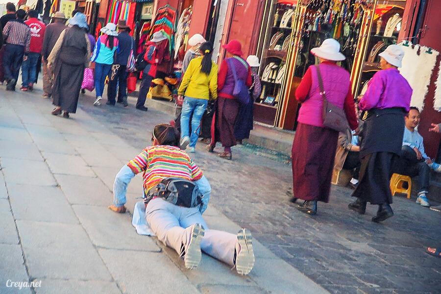 2015.12.09   Tibet 西藏踢北去   尋找藏人真正的拉薩中心,被信仰力量震撼的大昭寺與舊城區 30.jpg