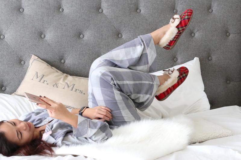 Vionic-Shoes-plaid-slippers-loungewear-9