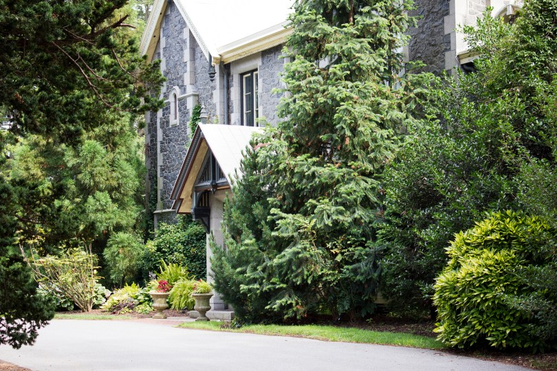rockwood-mansion-park-driveway-door