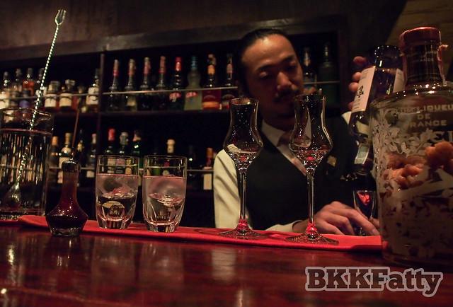 bar crawl bangkok-11
