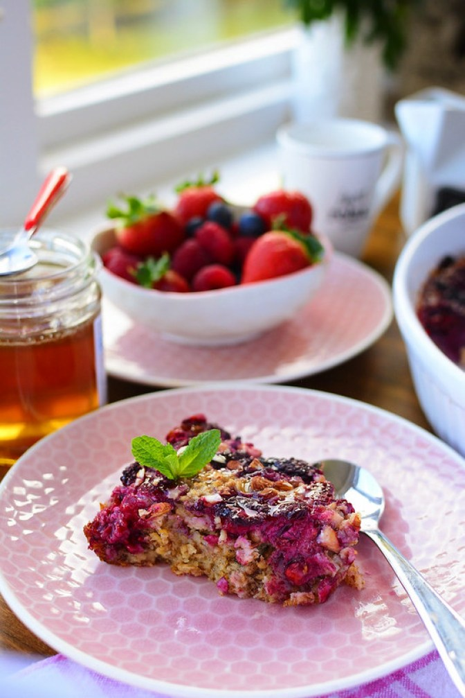Baked Summer Fruit Oatmeal with Honey